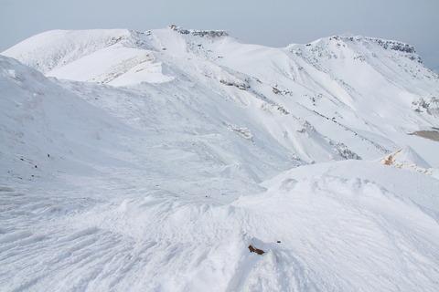 冬の安達太良山(日本百名山、くろがね温泉と白い峰々!)