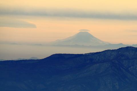 那須(北温泉から三本槍岳。・朝日岳・茶臼岳:神々の嶺々が見えた。)