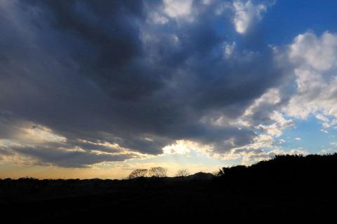 里山の夕焼け散歩!(田園風景と夕日の見える丘を歩く!)