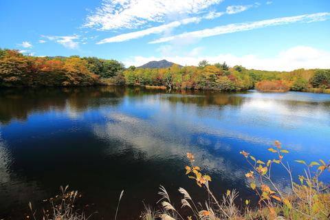 高原山山塊:八方湖を訪れる!(小さな秋がいっぱい!)