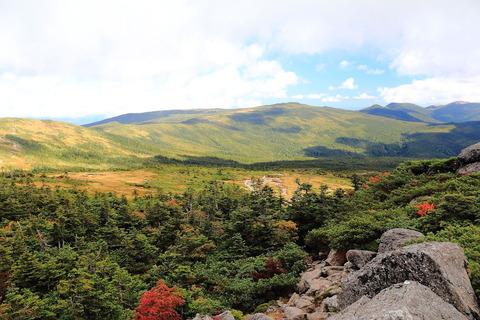 西吾妻山(日本百名山:ブナの森と広大なる稜線は心惚れ惚れ~ぇ!)