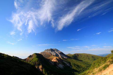 那須岳界隈をお散歩する!(三本槍岳と大峠、稜線と樹林帯)
