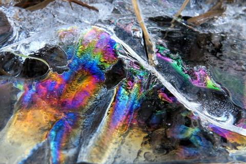 春のような陽気に、彩氷を探した!