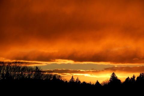 夕焼け散歩(R03.02.15)爆弾低気圧通過後の劇的夕焼け&虹の出現!
