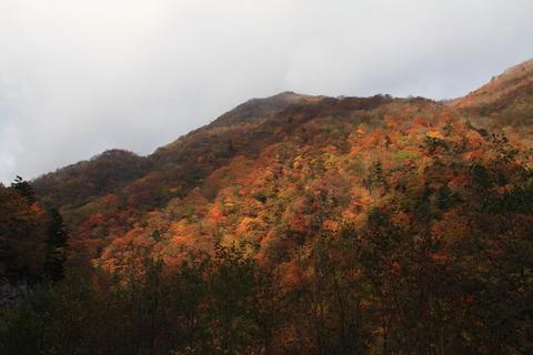 百村山と三石山(雷鳴轟く、神懸かりな好日!)