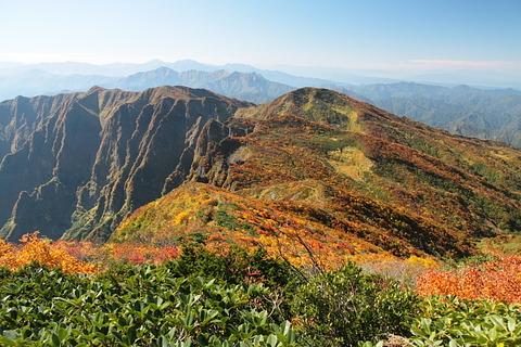 浅草岳(きらり、きらり、光る秋色の山!)(後編)
