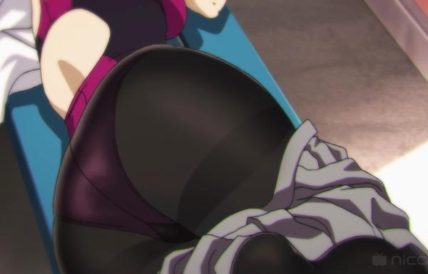 アニメ『みるタイツ』5話で女の子が水着の上にタイツを履くエロい姿のシーンなど!のサムネイル画像