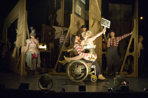 3-the-company-of-the-threepenny-opera