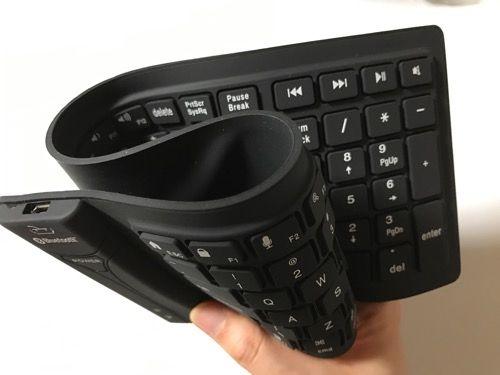 『iPhone7』のお供に!巻ける!防水!『Newiy Start シリコン Bluetooth キーボード』