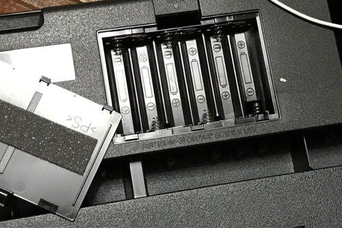 カシオ電子キーボード電池ソケット写真