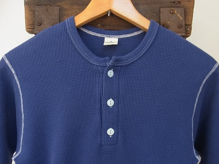 HENLEY NECK THERMAL 3/4 SLEEVE SHIRT