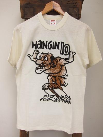 HANGIN 10 surfing'