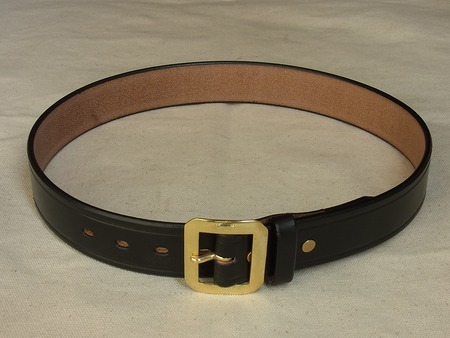 U.K. Saddle Leather Single Pin Belt