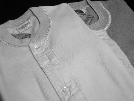 30's Style L/S Henley Neck Shirt