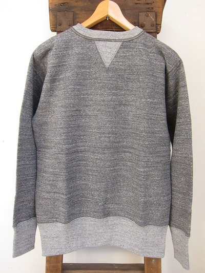 SET-IN SLEEVE SWEAT SHIRT