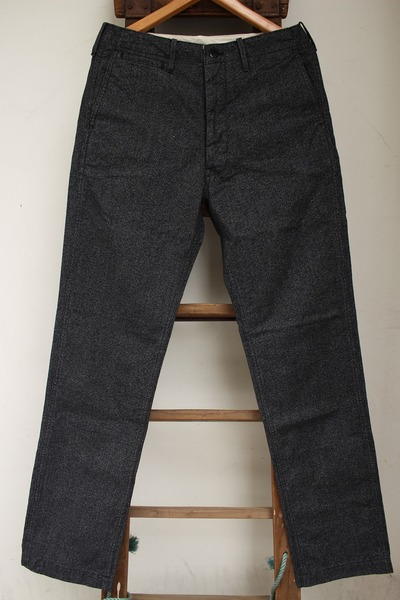 BLACK CHAMBRAY TROUSERS (TIGHT STRAIGHT)