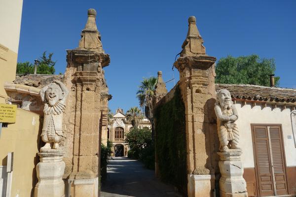 villapalagonia_gate