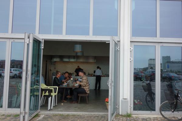 saltimporten_canteen_entrance
