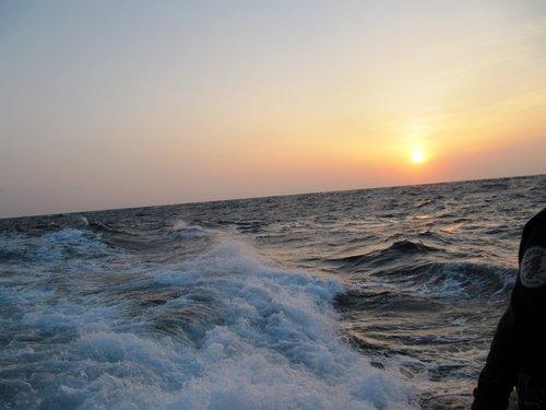 5月15日の夜明け@トカラ列島 中之島海域