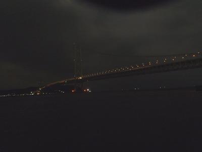 荒れてる明石大橋