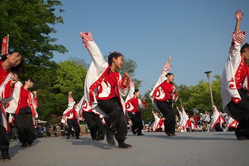 035 メチャハピー踊り子隊