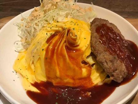 キッチン男の台所ハンバーグオムライス