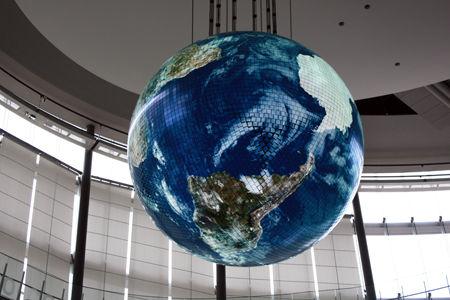 科学未来館の地球儀