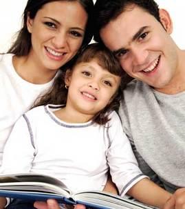 family_reading-apva-090324