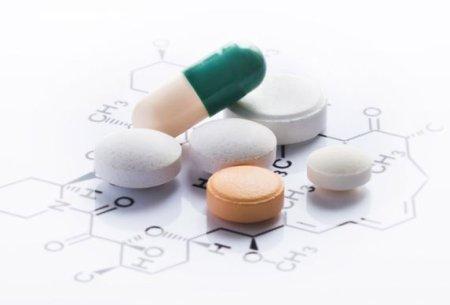 薬の副作用を調査