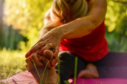 yoga-2662234_960_720