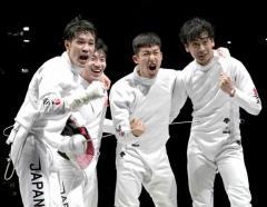 日本、フェンシング史上初の金メダル…男子エペ団体戦、最強「エペジーーン」勝利 金17個は過去最多!