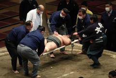 春場所で土俵に頭打った力士 急性呼吸不全で死亡