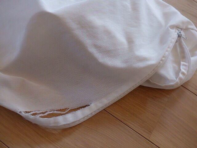 洗濯ネットは中に入っている洗濯物を保護するためのものなのに、洗濯中にファスナーが開いてしまって洗濯物が出てしまったり、裂け目のところから洗濯物が出てし  ...