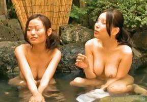 混浴露天風呂、高嶋ゆいか!痴女が勃起した巨根をフェラや手コキで弄び・・・
