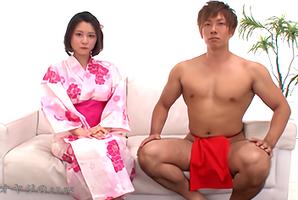 浴衣の松岡ちなと赤ふんどしの清水健