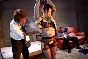 陵辱拷問、雪見紗弥!天性のドM女の才能が光る女捜査官役がハマってます・・・