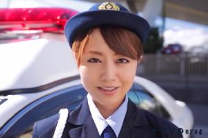 ドスケベ婦人警官、吉沢明歩!顔騎に素股に