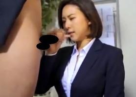 フェラ抜き、松下紗栄子!ダメ社員が無理やり女上司に口内射精で・・・