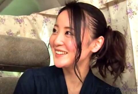 人妻ナンパ、池上桜子!大きな瞳に大きなおっぱい、クンニと電マでホテルへ直行・・・