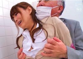 痴漢女捜査官、吉沢明歩(杉浦ボッ樹)!トイレで喉奥イラマチオでレイプされ・・・