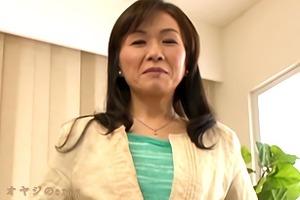 初撮り熟女、岩下千恵!五十路手前でもう一花とフサフサの陰毛でAVデビュー・・・