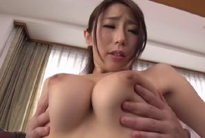 篠田あゆみ