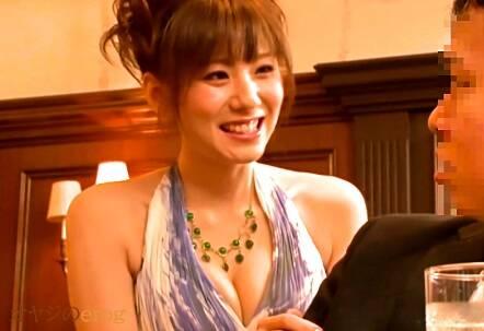 フェラチオ、麻美ゆま!エレガントなドレスのキャバ嬢のバキュームフェラ・・・