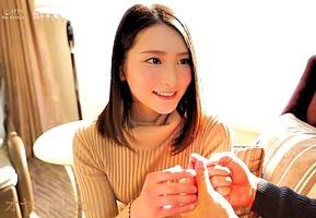 AVデビュー第2弾、本庄鈴!巨乳で美尻の彼女が明日花キララに憧れて・・・