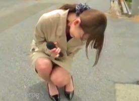 新人女子アナ、朝桐光!放送禁止のリモコンバイブで失禁お漏らし野外ロケ・・・