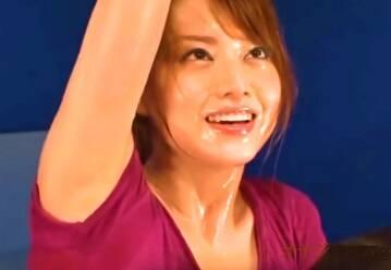スポコス、吉沢明歩!エッチなトレーニングで汗だくのワキの臭いが・・・