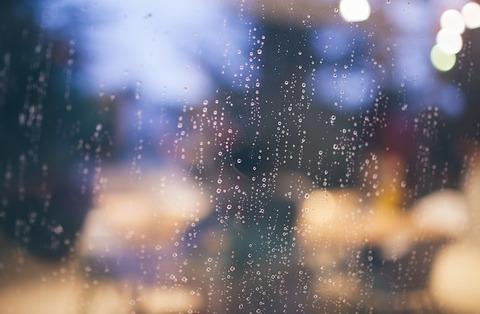 raining-690930_640
