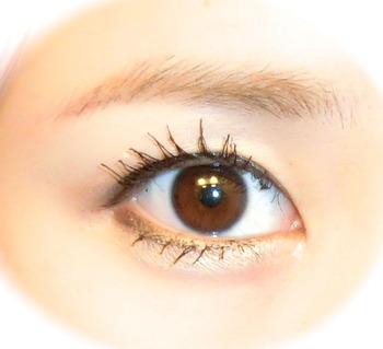 猫目 目 大きく 見せる メイク 化粧 方法