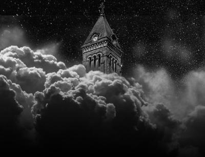 夜の教会と黒雲