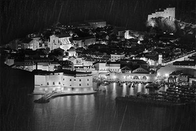 雨の砦港2